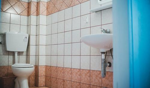 eftihia_vila_kupatilo_paralia_aquatravel-1200x700